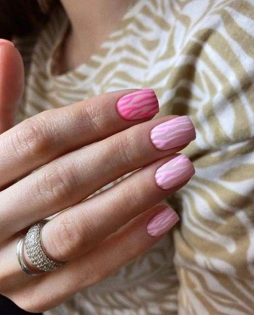 Дизайн ногтей в розовых тонах