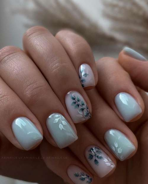 Нежные цветочки на ногтях
