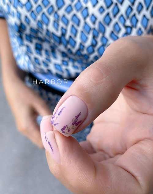 Сирень на ногтях