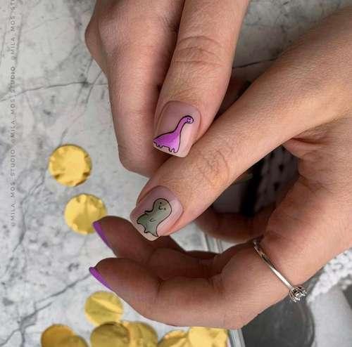 Сиреневые рисунки на ногтях