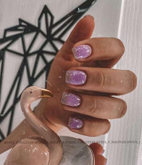 Сиреневая камуфляжная база на ногтях