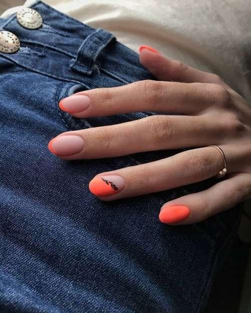Цветной френч на короткие овальные ногти