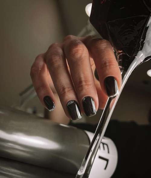 Черно-серебристый френч короткие ногти