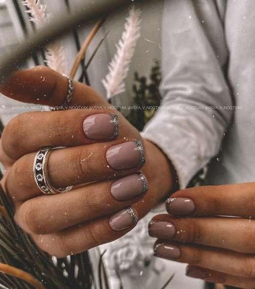 Серебристый френч короткие ногти