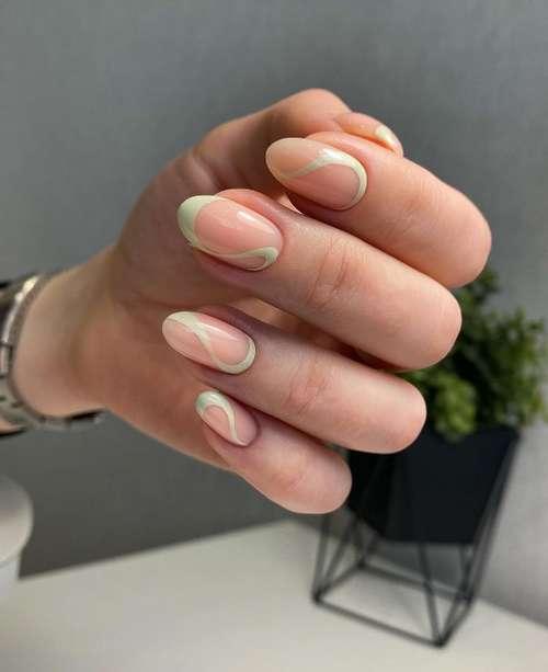 Мятного цвета френч короткие ногти