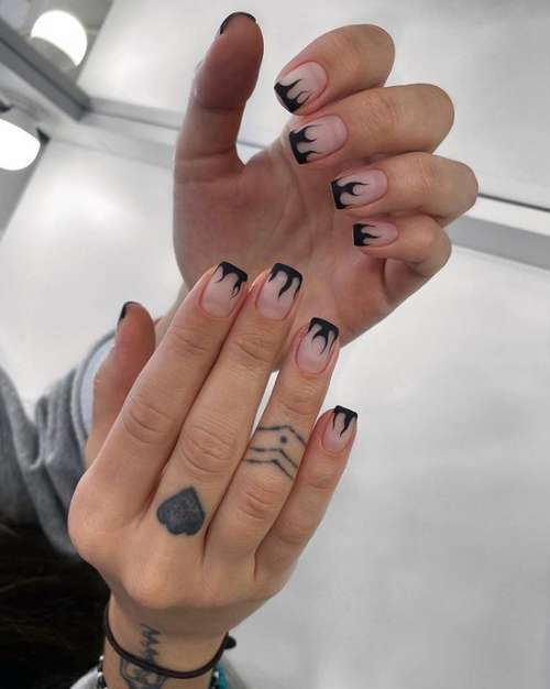 Черный френч на короткие ногти