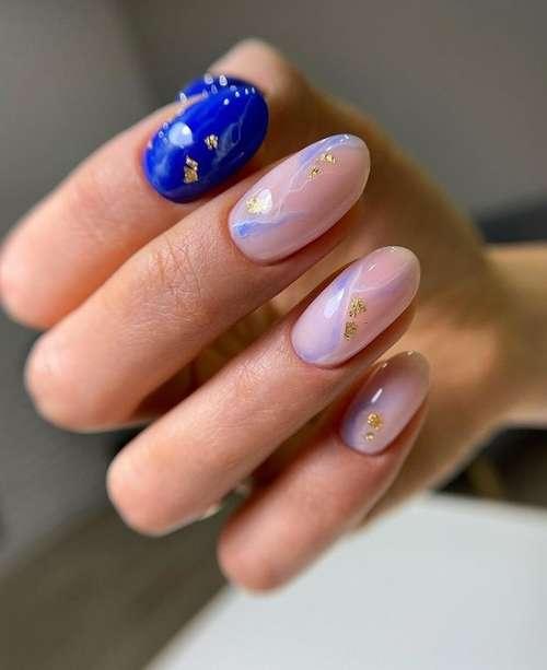 Синие разводы ногти