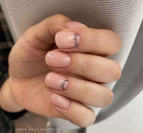 Простой рисунок на коротких ногтях