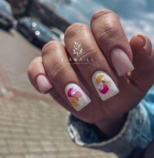 Абстракция мазками на ногтях