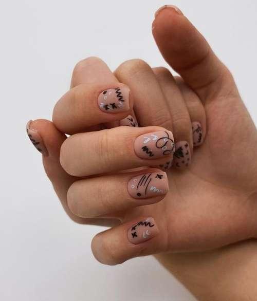 Маникюр с рисунком на короткие ногти: тенденции 2021, фото