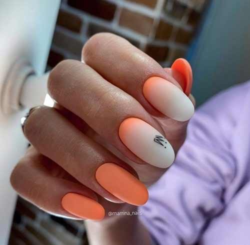 Молочный градиент на ногтях тренд
