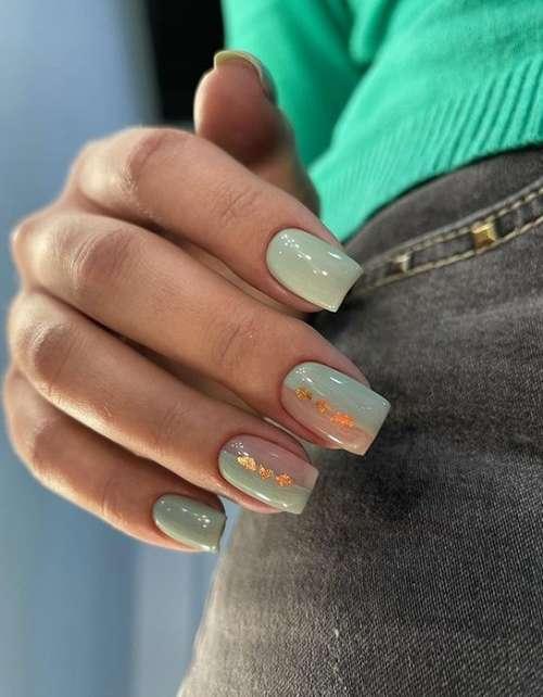Полупрозрачный дизайн ногтей с декором