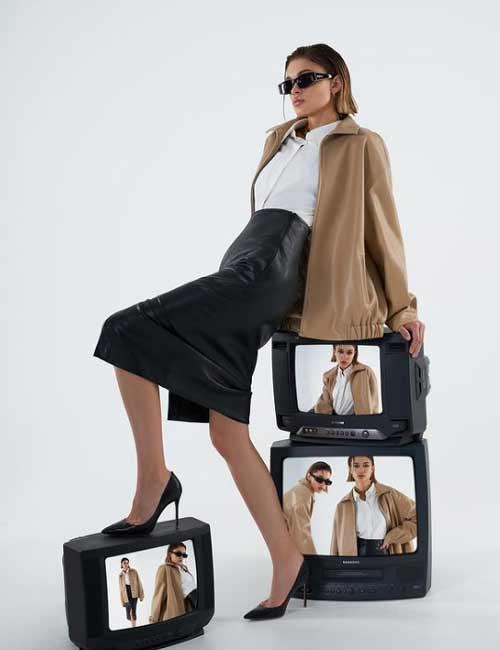 Кожаные юбки с разрезом