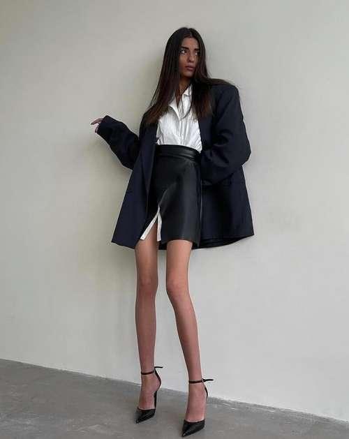 Короткие юбки с разрезом