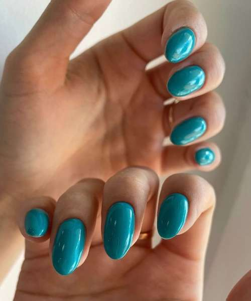 Бирюзовые длинные ногти