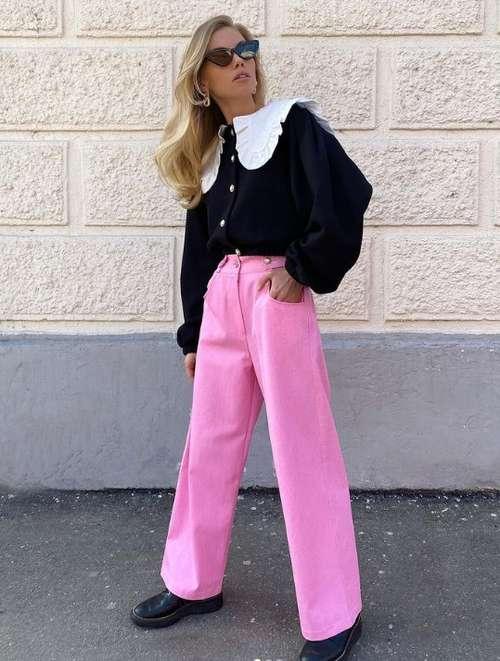Модные розовые джинсы
