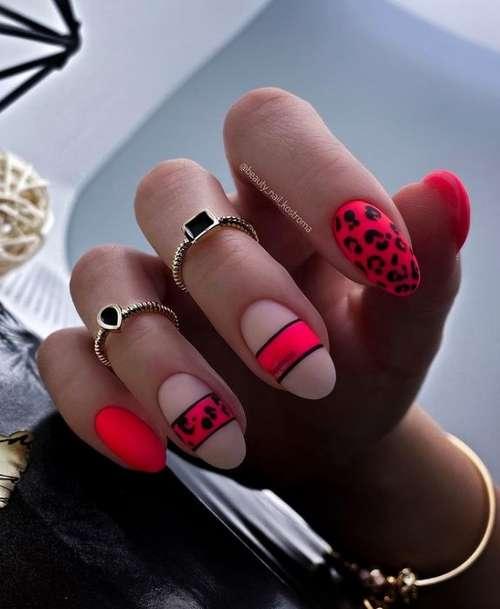 Матовые яркие ногти