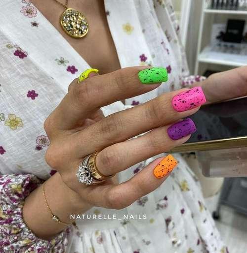 Перепелиный яркий дизайн ногти