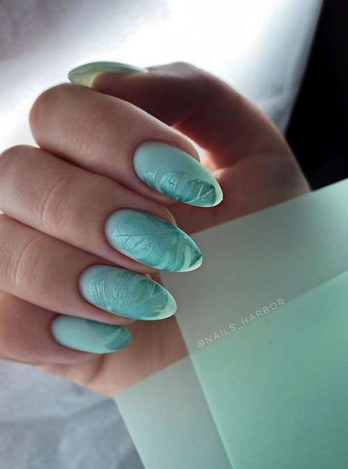 Листочек с блеском ногти маникюр