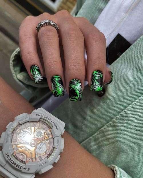 Листья на всех ногтях