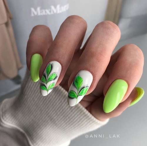 Маникюр с зелеными листьями