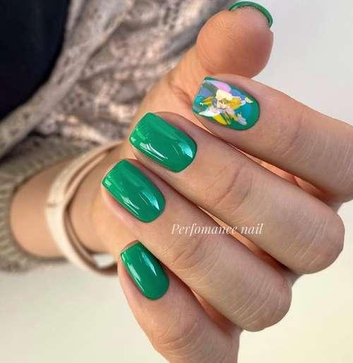 Дизайн одного ногтя с золотом