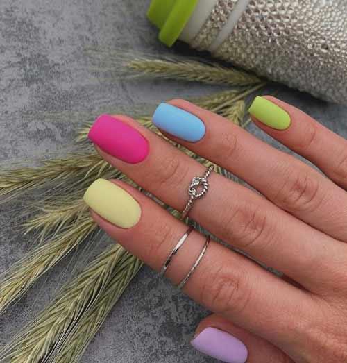 Разноцветный в пастельных тонах