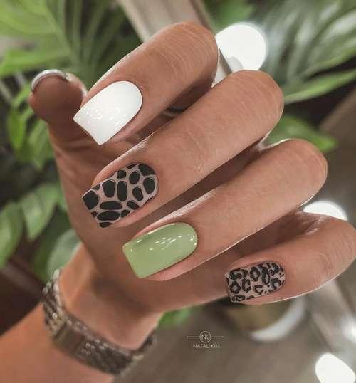 Разного цвета ногти