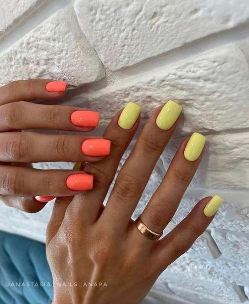 Ногти рук разного цвета