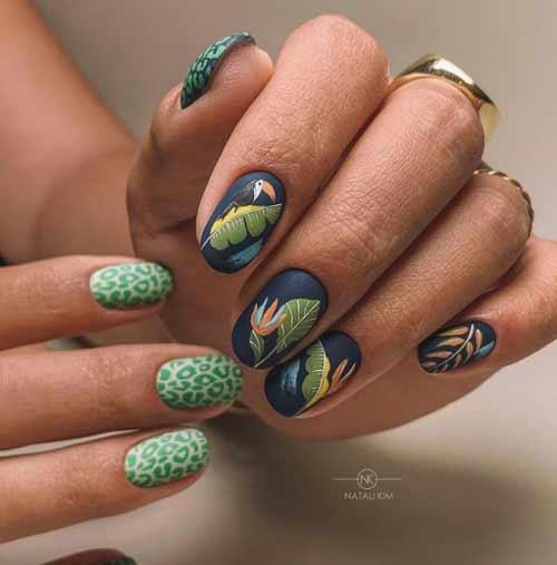 Фото новинки темно-зеленые ногти