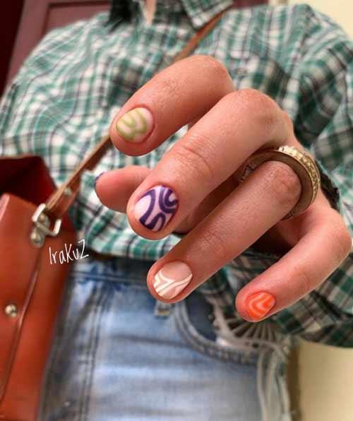 Модная абстракция на ногтях