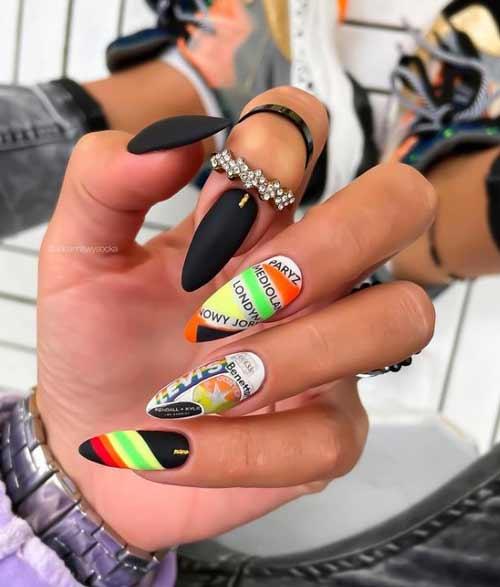 Длинные черные ногти с золотом