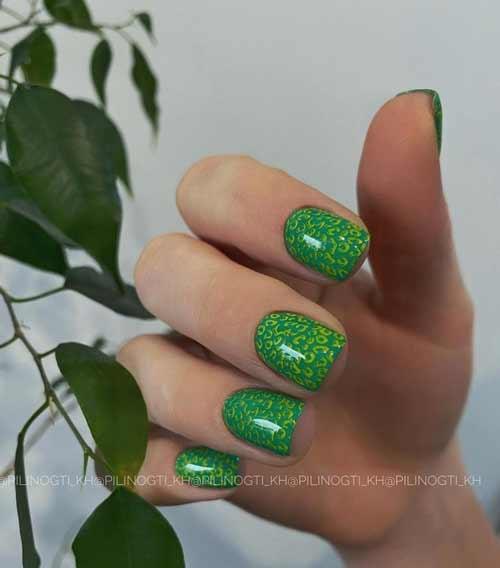 Дизайн коротких ногтей мягкий квадрат