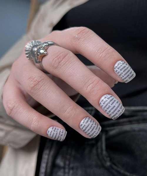 Квадратные ногти с надписями