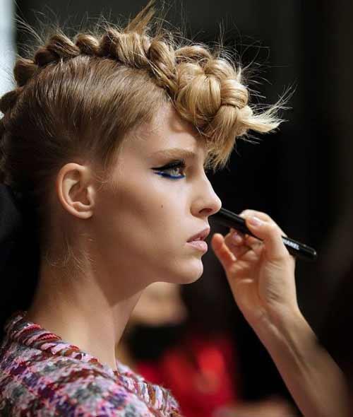 Прически на средние волосы для девушек