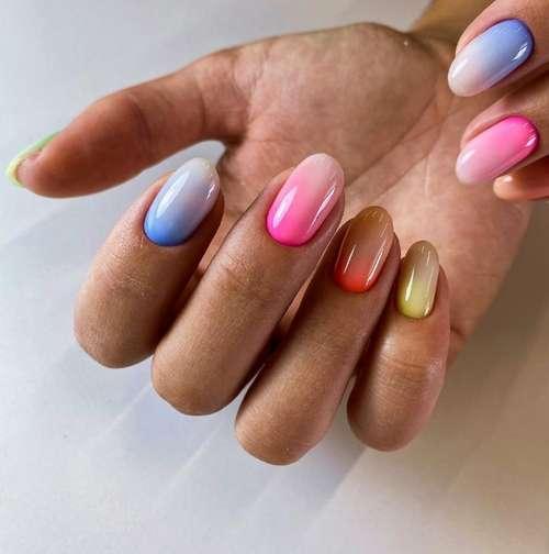 Разноцветный маникюр цветные базы и градиент