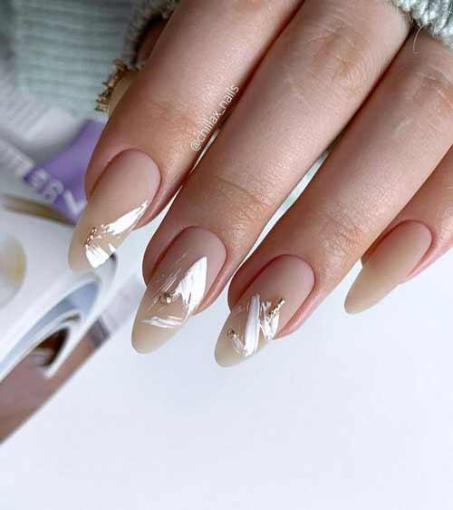 Мазки на длинных ногтях