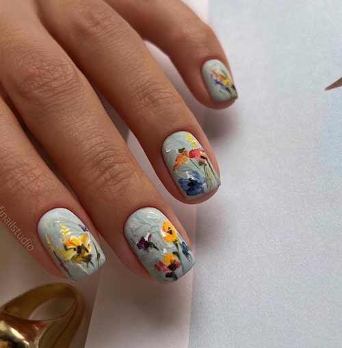 Цветы в мазковой технике на ногтях