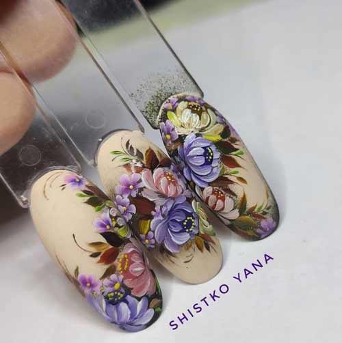 Мазковая роспись на ногтях