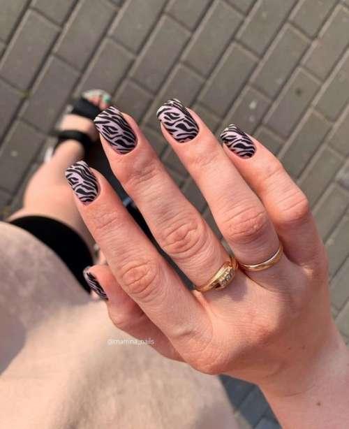 Принт зебра на всех ногтях