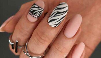 Модный маникюр принт зебра