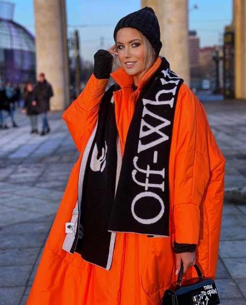 Оранжевый модный женский пуховик оверсайз