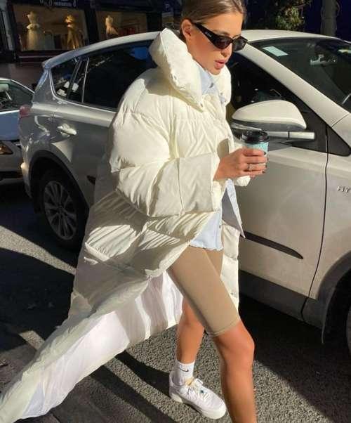 Модный белый пуховик