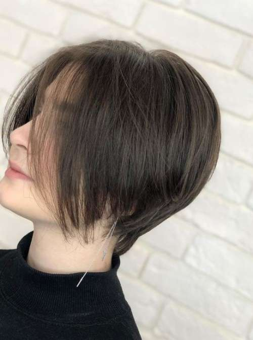 Удлиненная стрижка пикси-боб на тонкие волосы
