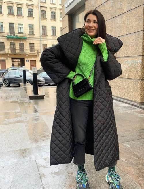 Женские пуховики зима 2022: трендовые модели, модные образы